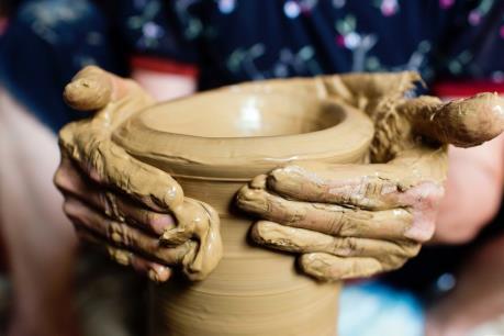 Đừng để mất làng nghề gốm Hương Canh