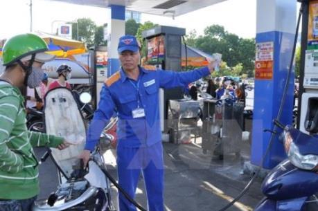 Giá xăng giảm tiếp hơn 720 đồng/lít