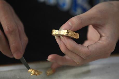 Giữ vị thế nghề cổ dát vàng quỳ làng Kiêu Kỵ - Bài cuối: Khó khăn và thách thức