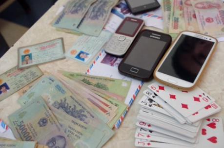 Thành phố Hồ Chí Minh: Triệt phá sòng bạc lớn trong khách sạn