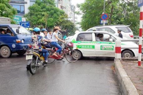 Thi công xuyên Tết các công trình giao thông trọng điểm của Thủ đô