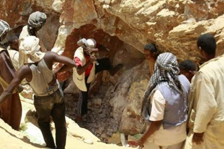 Sập mỏ vàng tại Nam Phi, 90 người được cứu thoát