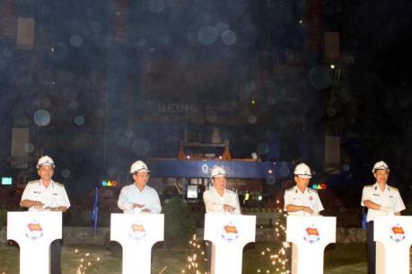 Phát lệnh làm hàng đầu năm tại Tân Cảng-Cát Lái