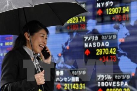 """Chứng khoán Nhật Bản """"phấn chấn"""" với đồng yen yếu"""