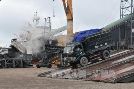Quảng Ninh xuất trên 33.000 tấn than trong ngày đầu năm