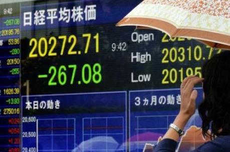 Chứng khoán Tokyo mất hơn 4% khi mở cửa phiên