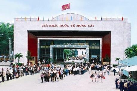 Lượng khách du lịch quốc tế qua Cửa khẩu Móng Cái tăng đột biến