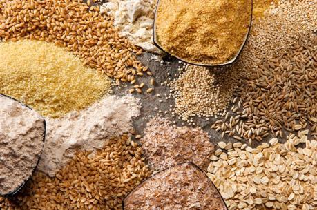 Giá nông sản giảm, khối lượng giao dịch thấp