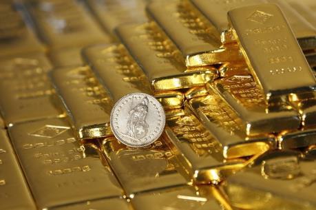 Giá vàng thế giới giảm gần 3%