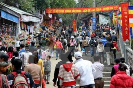 """Hà Nội xử lý 21 đối tượng """"cò mồi"""" chùa Hương"""