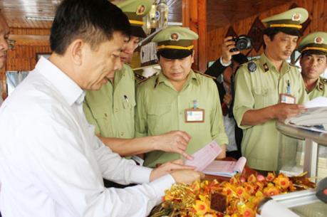Quảng Ninh: Phạt hành chính nhà hàng không niêm yết giá