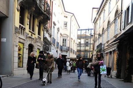 Italy muốn tăng ngân sách để đối phó với kinh tế ì trệ