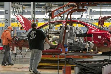 Sản xuất công nghiệp tăng tạo đà cho kinh tế Mỹ