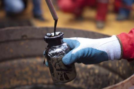 Giá dầu thế giới ngày 5/4 đi lên
