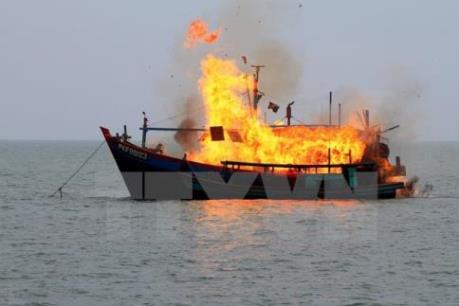 Indonesia tiếp tục đánh chìm tàu thuyền nước ngoài đánh cá trái phép