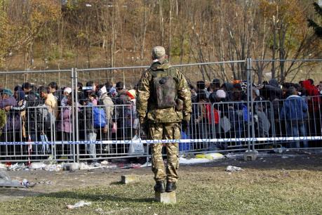 Vấn đề người di cư: Slovenia điều quân đội hỗ trợ kiểm soát biên giới