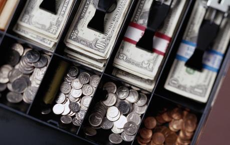 Dòng tiền tăng mạnh đẩy VN-Index vượt ngưỡng 565 điểm