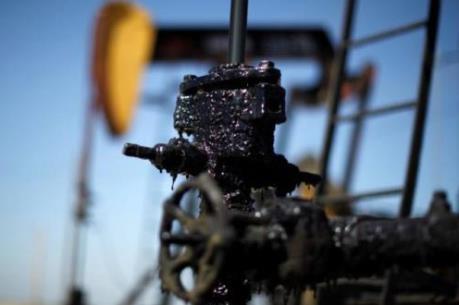 Giá dầu ngày 24/2 lại nối dài đà giảm trên thị trường châu Á