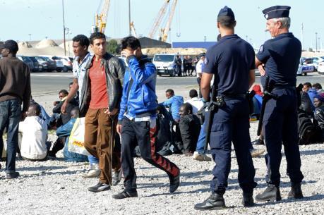 Vấn đề người di cư : Bỉ thiết lập kiểm soát tạm thời biên giới với Pháp