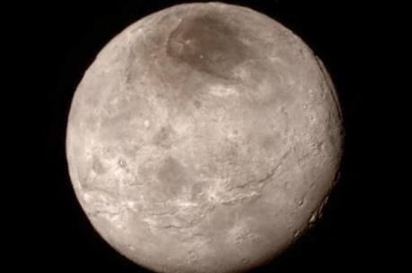 Phát hiện mới trên mặt trăng lớn nhất của Diêm Vương