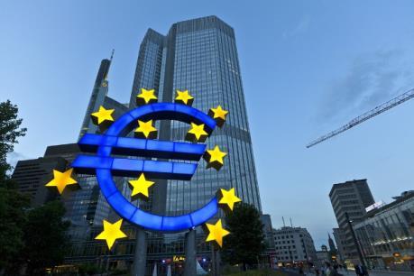Chương trình mua trái phiếu của ECB gặp trắc trở