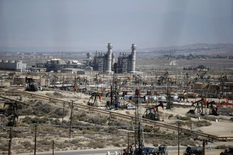 Các doanh nghiệp dầu đá phiến Mỹ lỗ nặng trong năm 2015