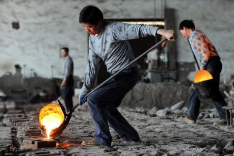Trung Quốc dành 100 tỷ NDT để hỗ trợ công nhân thất nghiệp