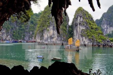 Quá tải cục bộ một số điểm du lịch tại Quảng Ninh trong dịp nghỉ lễ 2/9