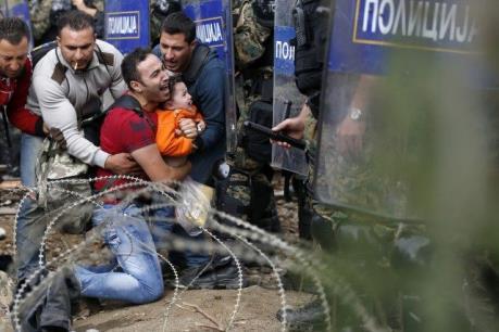 Vấn đề người di cư: Đụng độ tại biên giới Macedonia - Hy Lạp