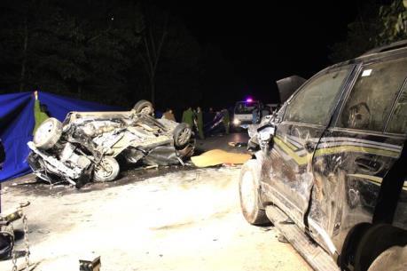 Vụ 2 ô tô đấu đầu trên QL2: Xác định danh tính 4 nạn nhân tử vong