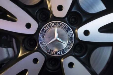 """Mercedes bị """"sờ gáy"""" do nghi ngờ gian lận khí thải"""