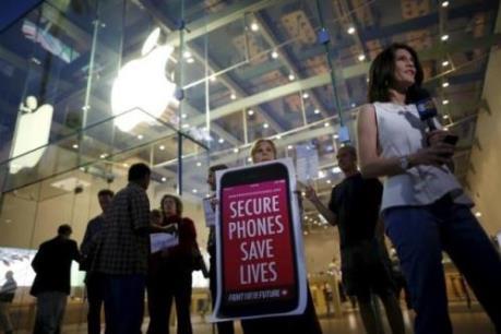 """Cuộc chiến """"bẻ khóa"""" giữa Apple và FBI chưa có hồi kết"""