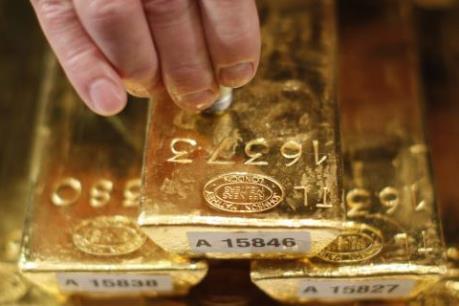 Giá vàng thế giới rời mức đáy của hai tuần