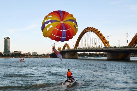 Lượng du khách tới Đà Nẵng tăng mạnh