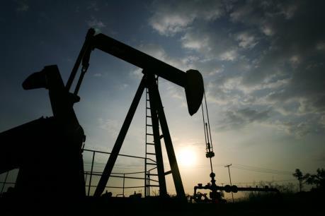 Giá dầu thế giới ngày 3/3: Giá dầu đảo chiều đi lên bất chấp dự trữ tại Mỹ tăng