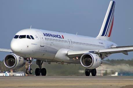Airbus A320 suýt va chạm với một thiết bị bay không người lái