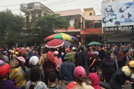 Tạm giữ hai đối tượng nổ súng tại nhà dân ở thị xã Sầm Sơn