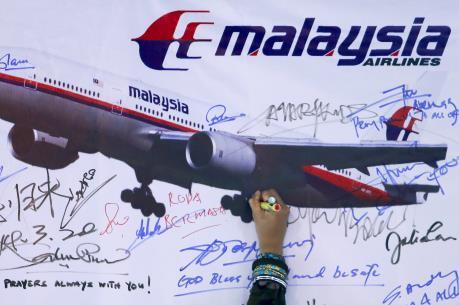 Vụ máy bay MH370 mất tích: Malaysia đợi kết quả thẩm định 2 mảnh vỡ mới nghi của MH370