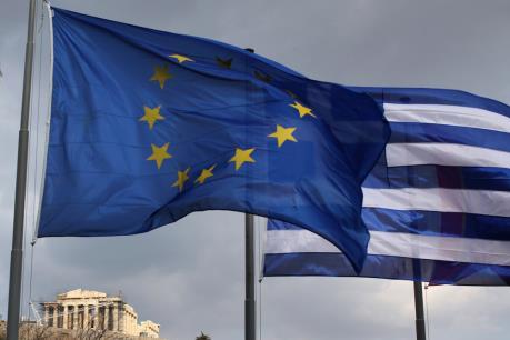 Eurozone cam kết cân nhắc giãn nợ cho Hy Lạp