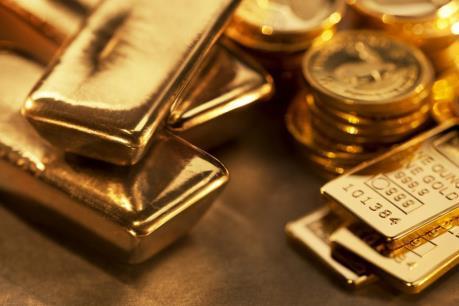 Giá vàng thế giới rời ngưỡng cao nhất của 13 tháng