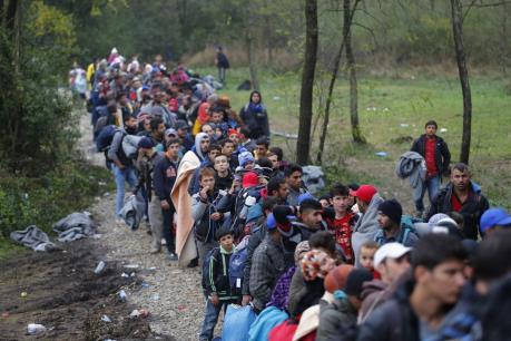 """Vấn đề người di cư: Croatia và Slovenia """"đặt dấu chấm hết"""" cho tuyến Balkan"""