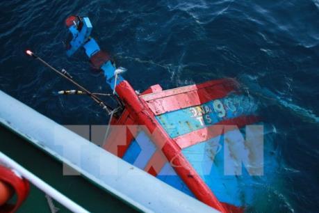 Vụ chìm tàu cá KH 96640 TS: 5 ngư dân đã được cứu an toàn