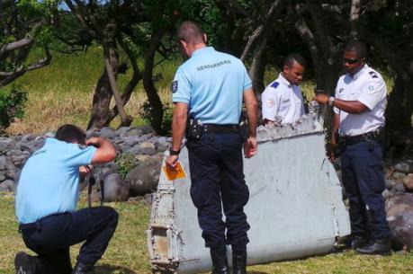 Thêm mảnh vỡ nghi của MH370 được tìm thấy ở Mozambique