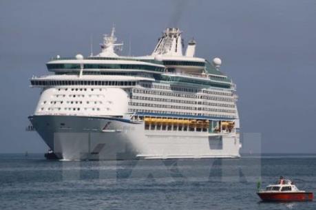 Tàu biển Mariner of the Seas đưa 3.100 khách quốc tế cập cảng Chân Mây