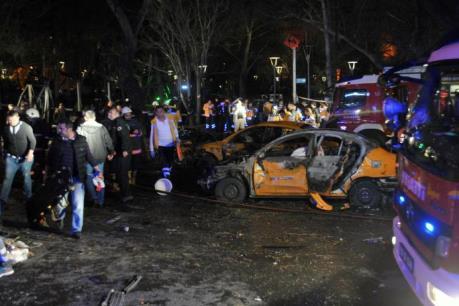 Vụ đánh bom đẫm máu ở Thổ Nhĩ Kỳ: Ít nhất 100 người thương vong