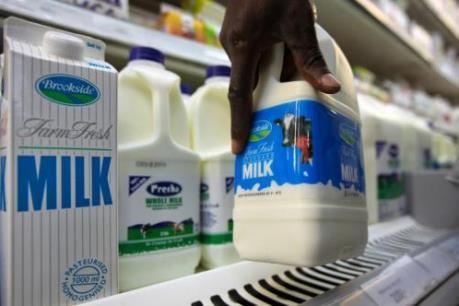 EC ủng hộ giảm sản lượng sữa do giá cả thấp