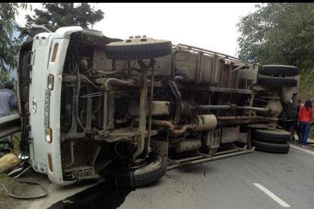 Lào Cai: Lại xảy ra một vụ tai nạn lật xe ở Trung Chải, Sa Pa