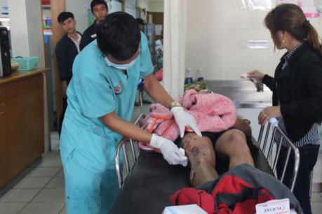 Thừa Thiên - Huế: Tàu cá bất ngờ phát nổ, 8 ngư dân nhập viện