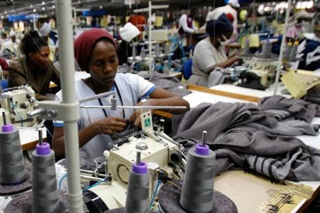 Đầu tư của Trung Quốc vào châu Phi không thay đổi dù kinh tế giảm tốc