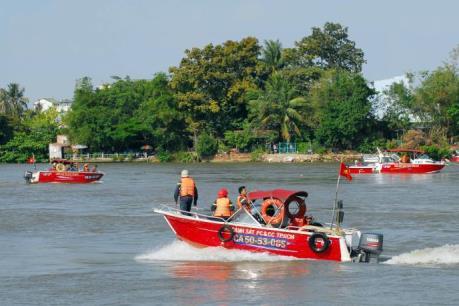 Huy động 150 người tìm kiếm 3 người mất tích trên hồ Đại Ninh (Lâm Đồng)